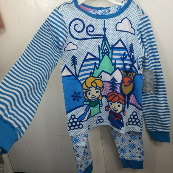 NWT Disney Store Frozen Elsa Nightshirt Nightgown Pajama Girls Size 5//6